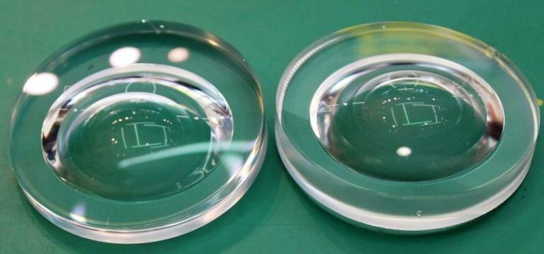 プラスチックレンズ累進屈折力レンズ使用