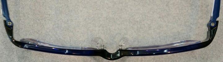 左右レンズの耳側厚み差